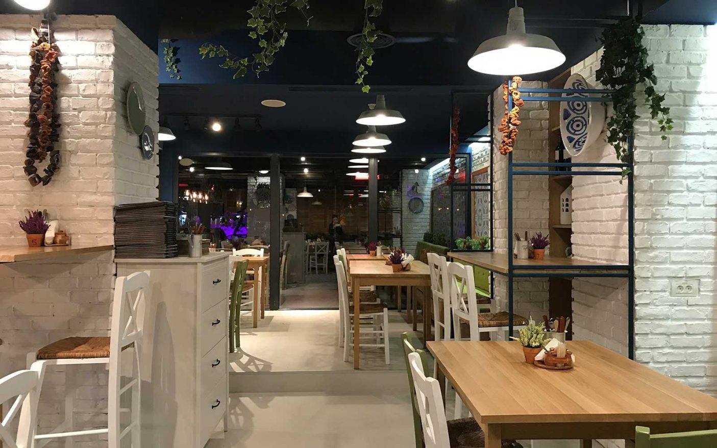 3-Nikos-Greek-Taverna.jpg